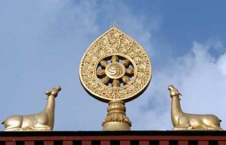 """""""שלוש המרכבות"""" בבודהיזם"""